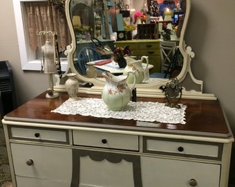 Stunning antique dresser and mirror   Local pickup or delivery only in Mullica Hill