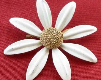 Vintage Daisy Pin
