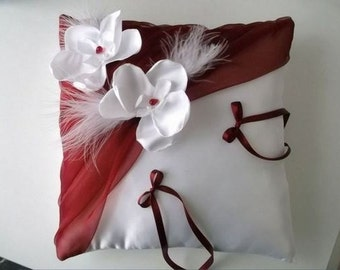 White (or ivory) wedding ring cushion orchids and Burgundy