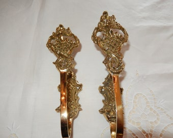 ORNATE DRAPERY HARDWARE
