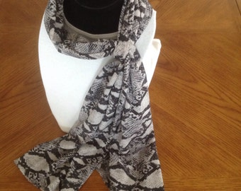 Gray tones and black scarf
