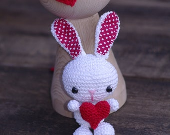 Amigurumi Bunny and Tieback set, Crochet Amigurumi Toys, newborn Photo prop