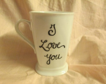 I LOVE YOU. Ceramic coffee mug with Lid. Personalise your mug!