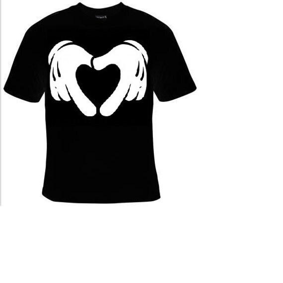 chemises pour votre amour de main mickey mouse en forme de. Black Bedroom Furniture Sets. Home Design Ideas