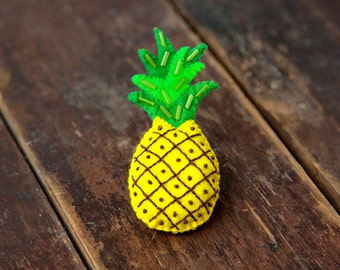 Felt pineapple brooch