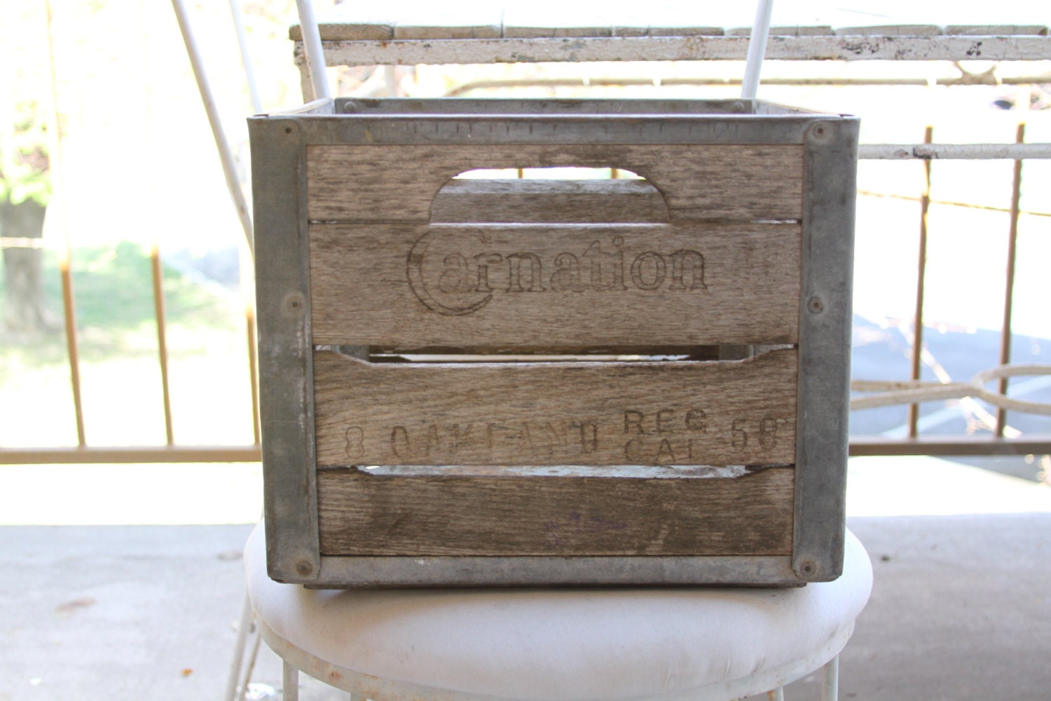 wooden milk crate carnation milk crate wooden box shabby. Black Bedroom Furniture Sets. Home Design Ideas