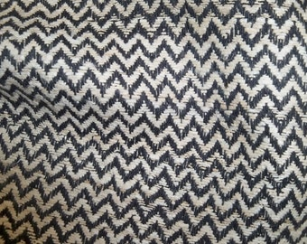 SCHUMACHER CHEVRON ZIG Zag Hand Spun Raw Silk Fabric 10 yards Black Cream
