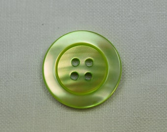 Light green mother of pearl button