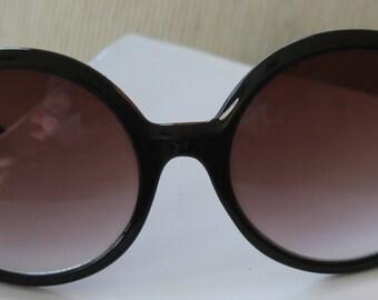 Vintage oversized round sunglasses, retro Brown sun shades