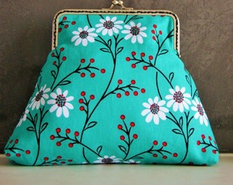 Vintage Inspired Wallflower Print Clutch/Purse with Handsewn Metal Fame. Medium Size. Quality Quilters Cotton. Handmade by me. Fully lined.