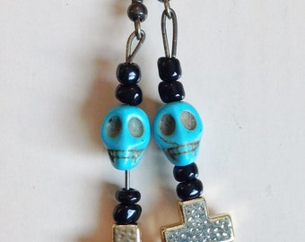 Cross/Skull Earrings E176