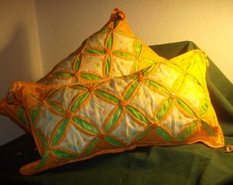 """Cathedral Window Pillow Set """"TOYO COLLECTION"""""""