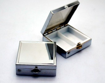 container for pills, boxing, metal, plastic, compact