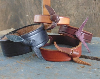 Handcrafted leather bracelets - Homeade - Why knot - Leather wrist ware - Leather Bracelet