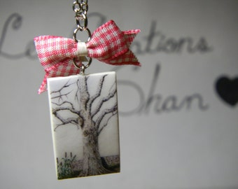 Necklace tree