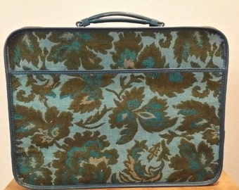 Vintage Avon Travel Duffle Bag Set 97