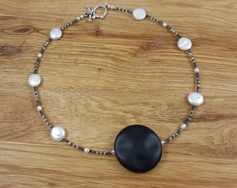 Black Stone with White Coin Pearls