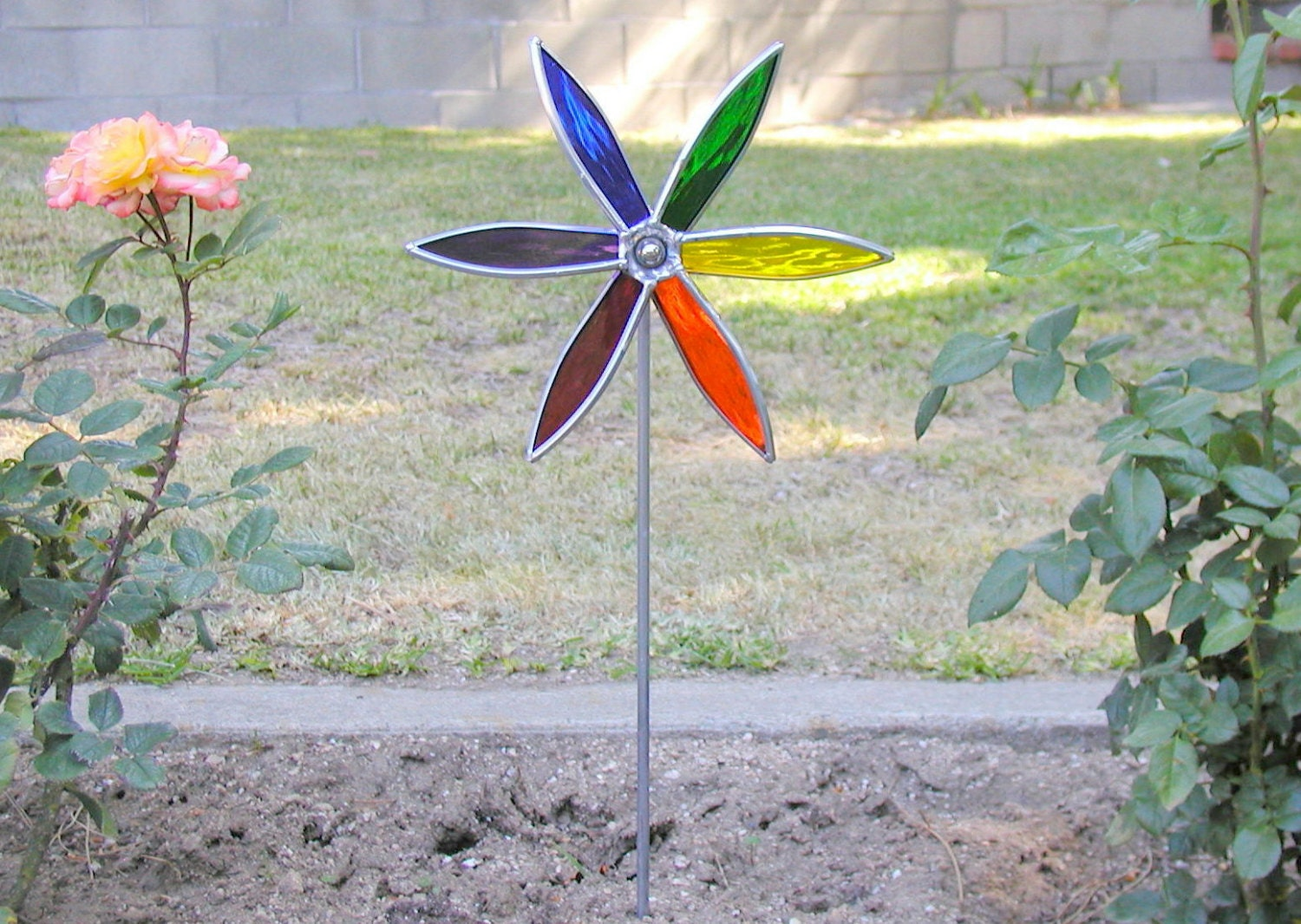 Spinning garden decorations - Stained Glass Spinning Garden Pinwheel Rainbow