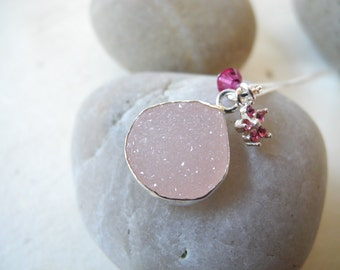 Pink Druzy in 925 silver bezel with Swarovski Charms on Sterling Silver Chain Necklace, Druzy Necklace with Swarovski charms