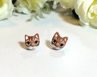 Brown Cat Earrings, Stud Earrings, polymer clay, hand sculpted, hand painted with Acrylic colors.