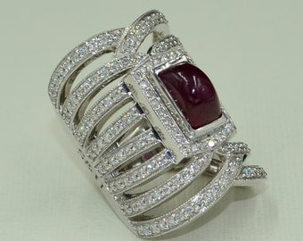 ON SALE. Diamond and Ruby Ring. 18k gold