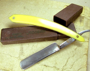 Vintage Straight Razor - Made in USSR