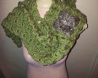 Crochet green broomstitch Scarf