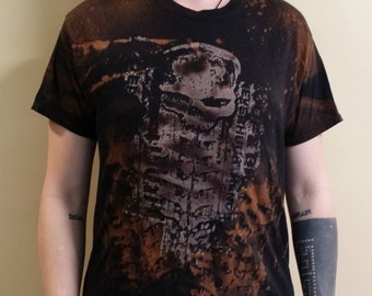 men's hand printed, bleached postapocalyptic biomechanical skull t-shirt.