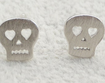 Little Skull Stud Earrings in Sterling Silver with Textured Finish e69