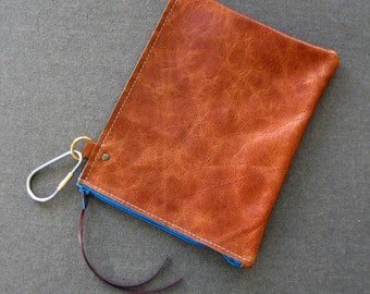 Half turned clip zip pouch - removable pocket for wedge bags - Distressed honey brown leather