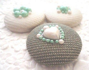 3 fabric embellished buttons, green ivory button,1.5 inches button, holiday wrapping wine bag embellishment tree ornaments