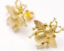 Bee Earrings, Bee Post Earrings, Bee stud earrings, bee jewelry, little bee earrings, gift for her