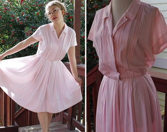 POWDER Puff 1960's 50's Vintage Light Pink FULL Day Dress with Tuxedo Pleats / Button Front / by Eileen Scott // size Medium