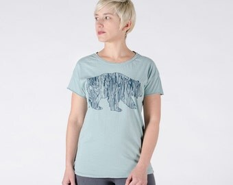 WOMEN'S Faux Bois Bear Tee SMALL - Women's Jade Tshirt S