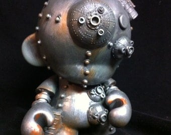 Custom Army Green  Munny robot  Kidrobot Urban Vinyl Art toy  Dunny Mech DIY