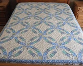 Twin size Double wedding Ring  machine quilted patchwork quilt