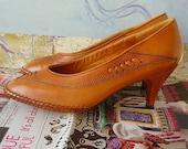 Size 5 Vintage Woven Leather Pumps Low Heels Shoes  Eu 35 UK 2 .5 British Tan Peguy  Chausseur