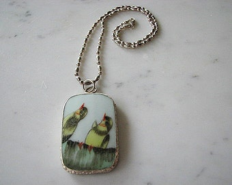 Vintage Sterling Silver Fancy Chain Porcelain Bird Pendant