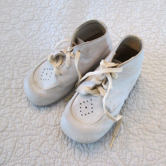 vintage white leather baby shoes 1950s by simplysuzula on etsy
