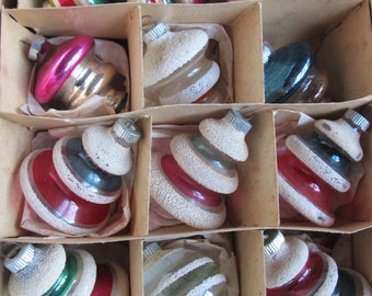 SALE Vintage 1950's Lot Of 12 Shiny Brite Unsilvered Red And Green Christmas Ornaments, Indented, Striped With Mica Was 125.00 Now 99.00
