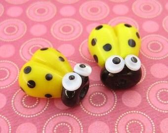 2 Glass Ladybug Beads - Lampwork Ladybug Beads - Glass Ladybugs - 14mm Beads - Yellow Ladybugs - DIY Jewelry - SRA Lampwork - V