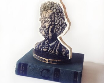 Mark Twain Art Bookend, Mark Twain Linocut Portrait Wooden Bookend, Shelf Decor