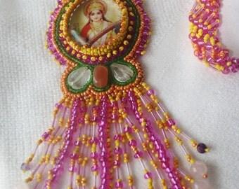 Saraswati Necklace with Gemstones