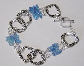 Silver Link Bracelet, Blue Glass Beaded Bracelet, Hammered Silver Link Bracelet, Blue Bracelet