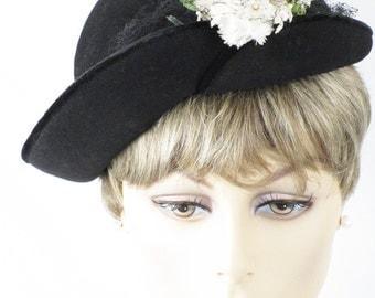 1950s Hat Black Felt Asymmetrical Tilt w/ Florals Sz 22