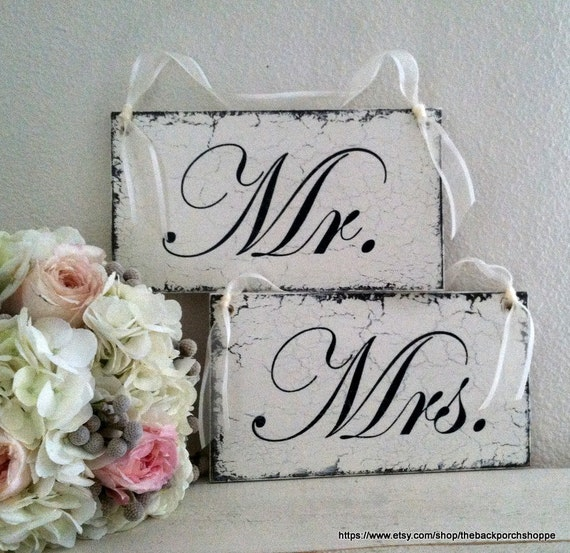 MR & MRS Chair Signs, Wedding Chair Hangers, Bride and Groom Signs, Wedding Signs, 9 x 5