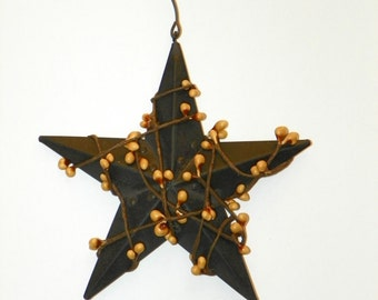 Black 5 Inch Metal Star with Gold/Mustard Pip Berries