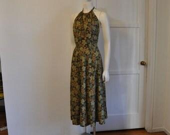 halter dress / Backless Babe Halter Hawaiian Print Dress