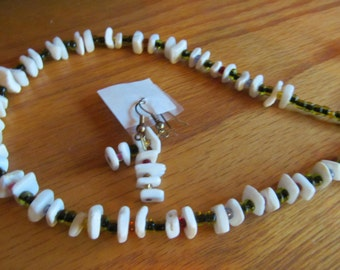 shell chip beaded necklace plus