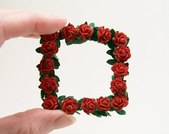 Red Rose Modern Wreath Square 1:12 Dollhouse Miniature Scale Artisan